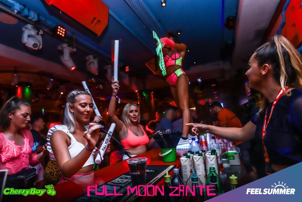 Full-moon-party-zante-events9